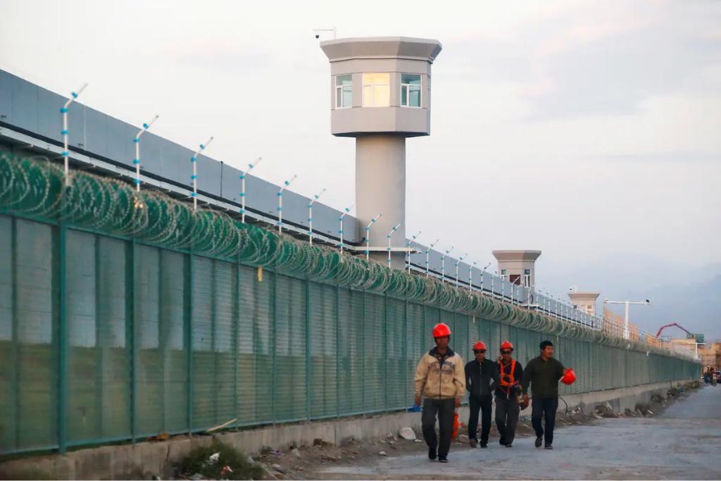 دولت چین کودکان اویغور را به زور به یتیم خانه میفرستد