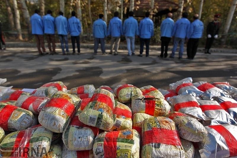 گزارش ایرنا از پولشویی قاچاقچیان مواد در اقتصاد ایران: هشتاد هزار میلیارد تومان، پول کثیف مواد مخدر در بازار
