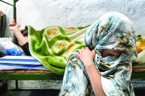 رشد ۳ برابری آمار اعتیاد زنان; زنانه شدن آسیبهای اجتماعی کشور