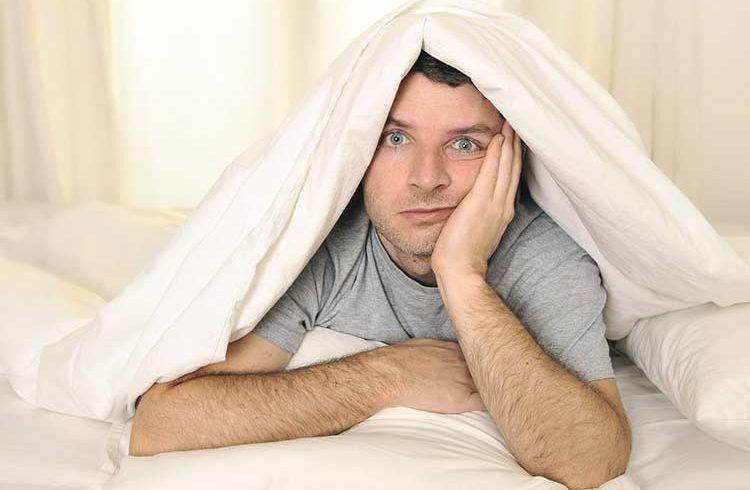 ۶ نشانه بهداشتی محرومیت از خواب را جدی بگیرید!
